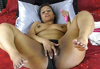 Indian With large bootie And Thighs boning Snatch With Dildos