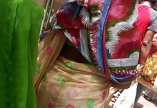 Big ass ever Desi gujju Aunty in saree 4